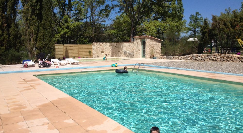 Camping Avelanede pataugeoire piscine chauffee