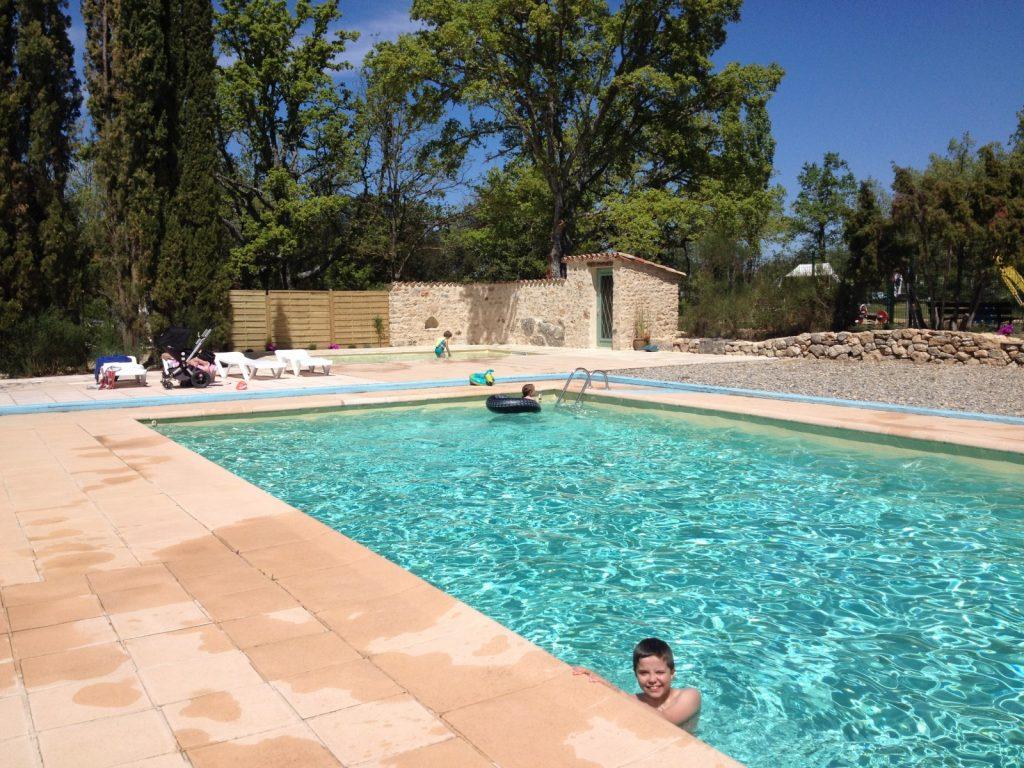 Campingplatz var provence im naturpark von verdon for Camping verdon piscine