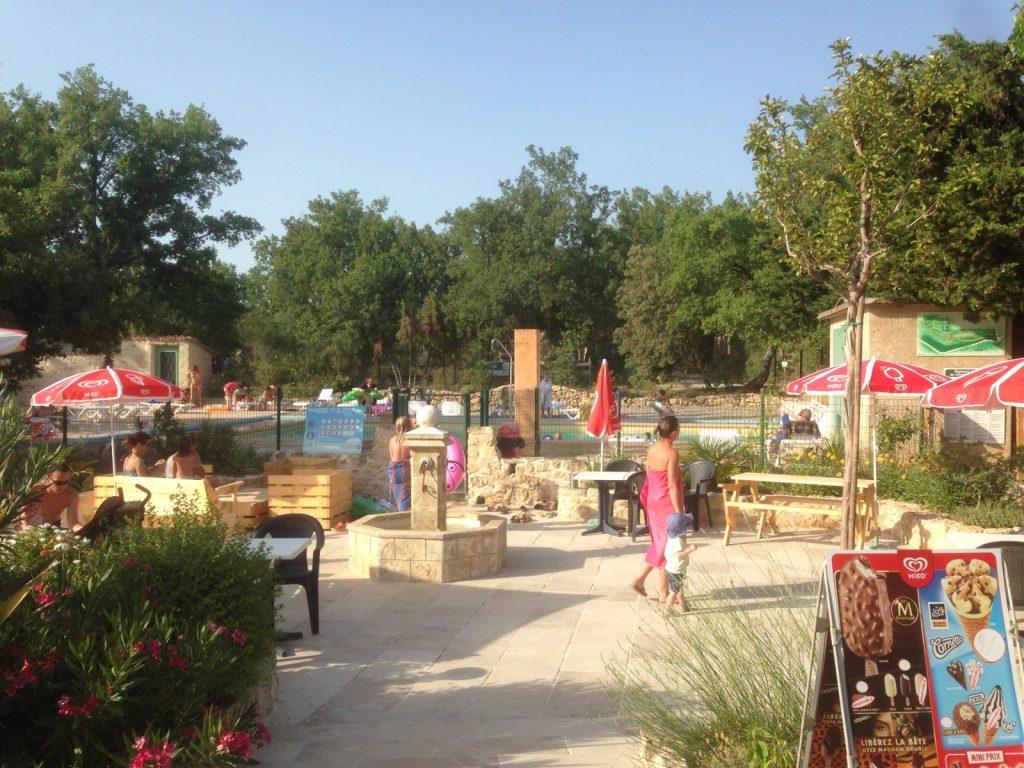 Camping familial var provence dans le parc r gional du verdon for Camping verdon piscine